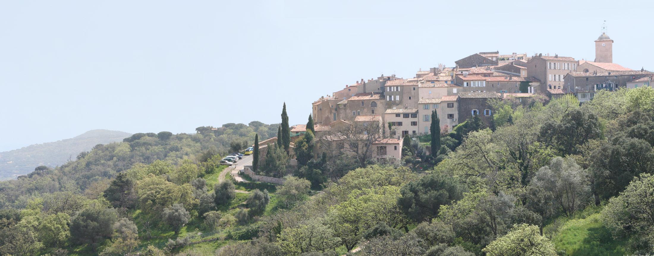 http://upload.wikimedia.org/wikipedia/commons/9/98/Ramatuelle_Panorama.jpg