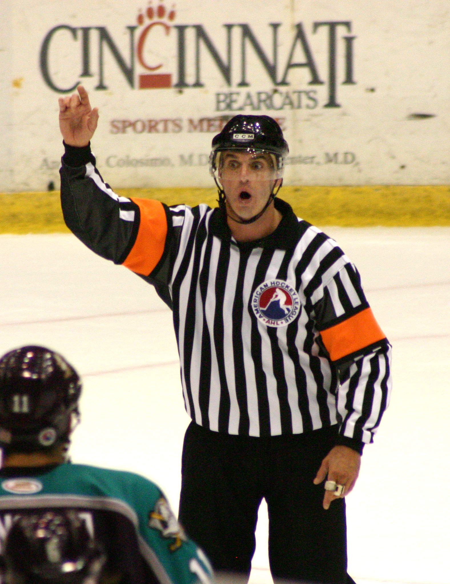 Referee hockey ahl 2004