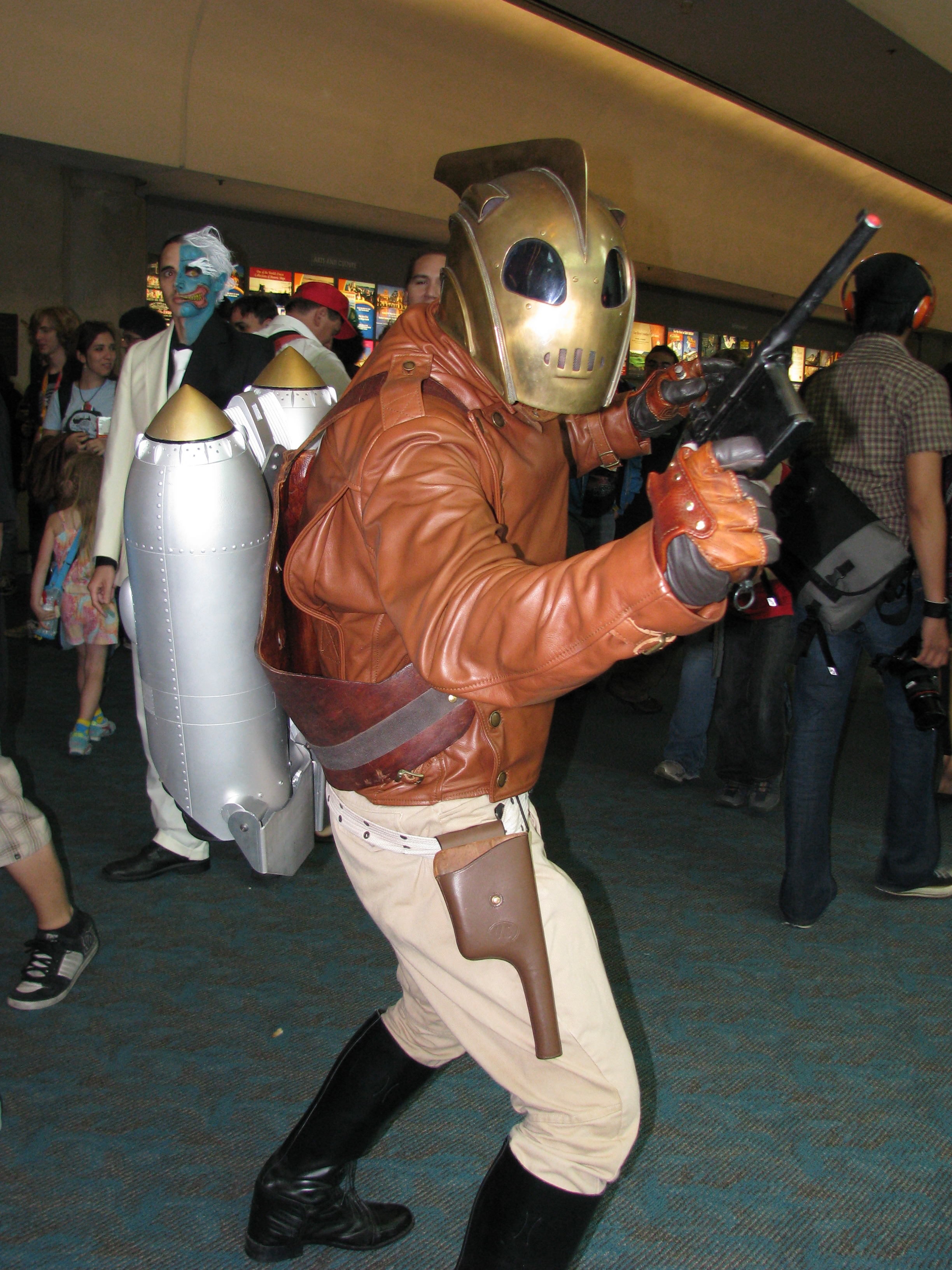 San Diego Comic-Con 2012 - The Rocketeer (7585144732).jpg A cosplay of The Rocketeer Cosplay at San Diego Comic Con 2012. Date 12 July 2012, 17:05 Source