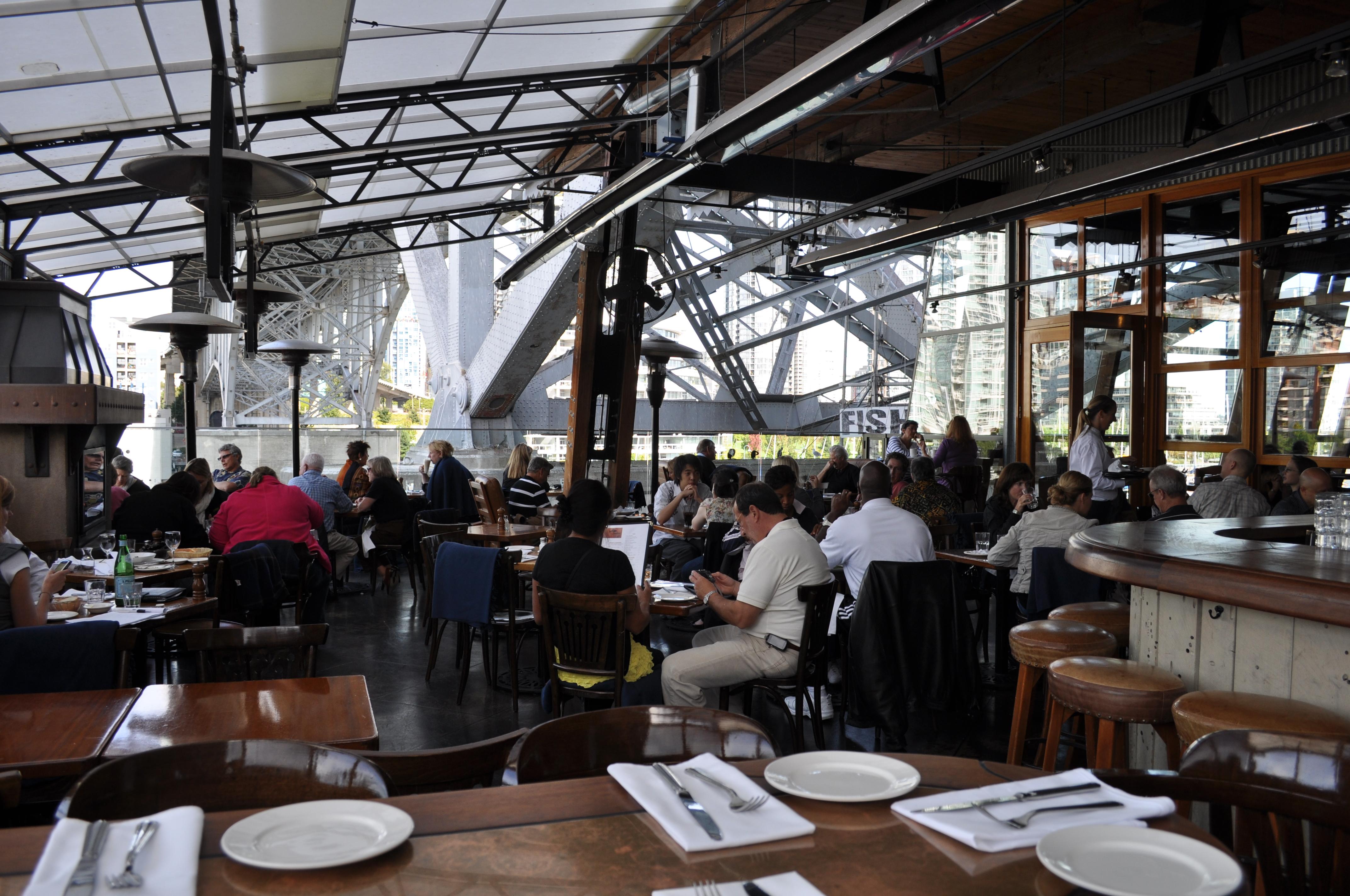 File Sandbar restaurant patio 01 Wikimedia mons
