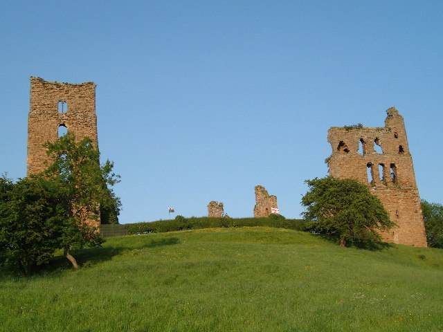 Sheriff Hutton Castle - geograph.org.uk - 16010