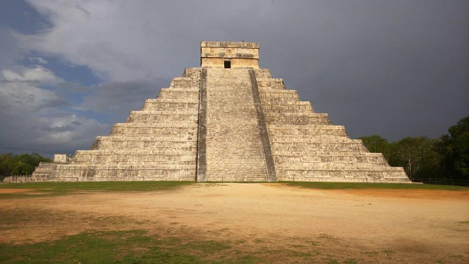 Templo de Kukulcán.jpg