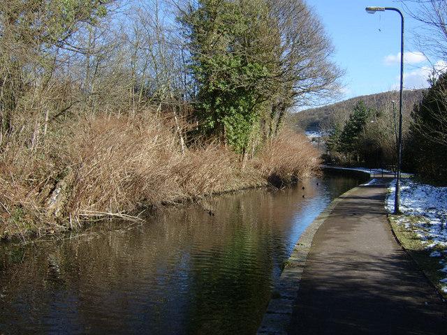 The Swansea Canal at Pontardawe - geograph.org.uk - 133637