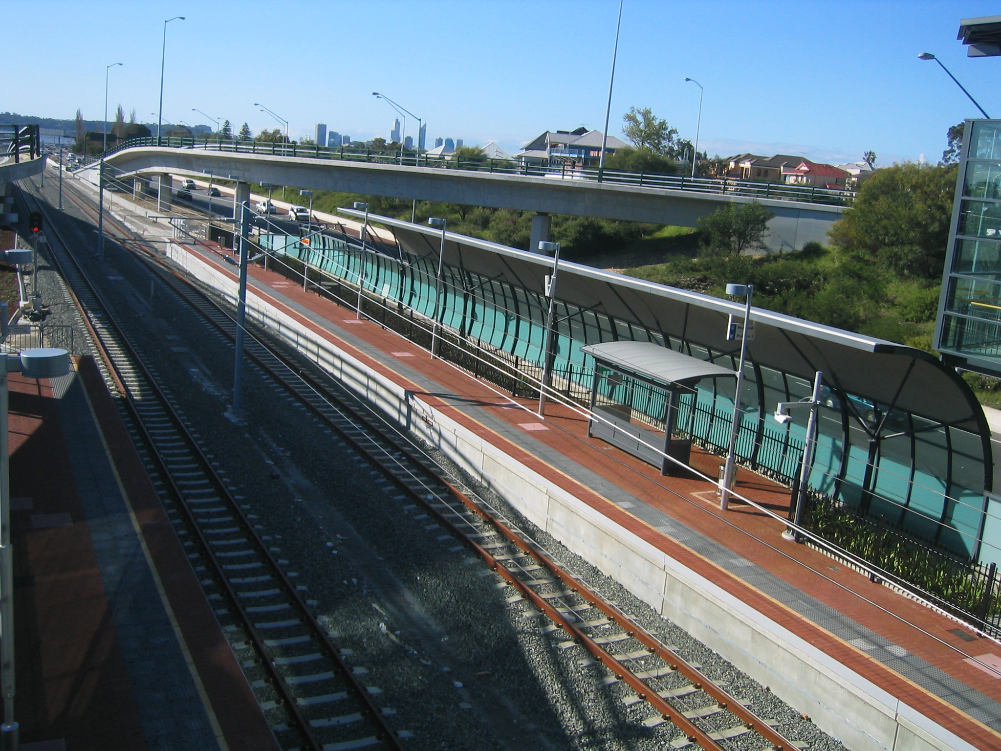 how to get to kings park from perth train station