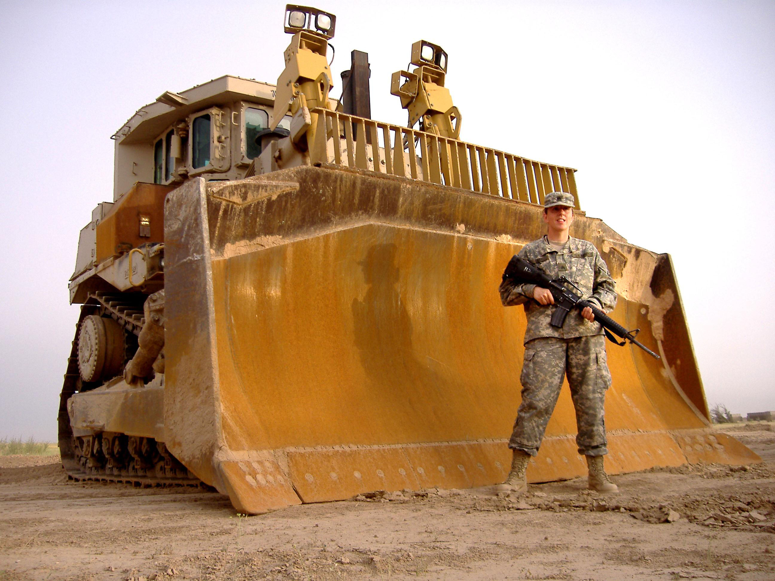 US_Army_D9_bulldozer_Gail_Gray.jpg