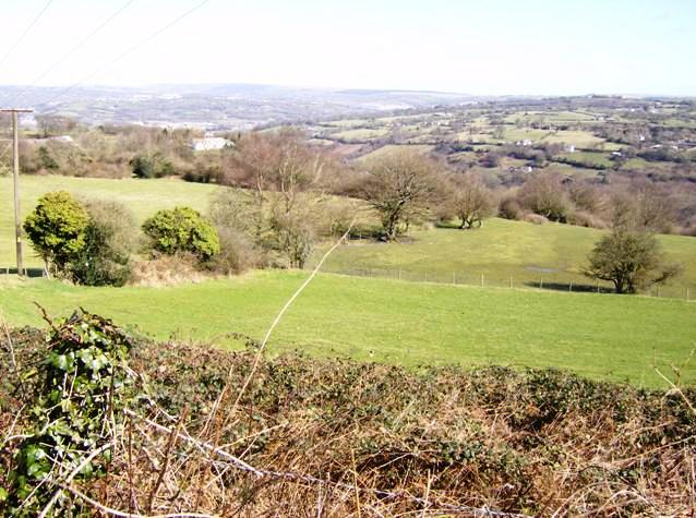 View over the Sirhowy valley - geograph.org.uk - 736888