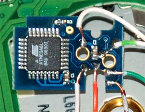 An installed Wiikey, one of the most popular Wii modchips