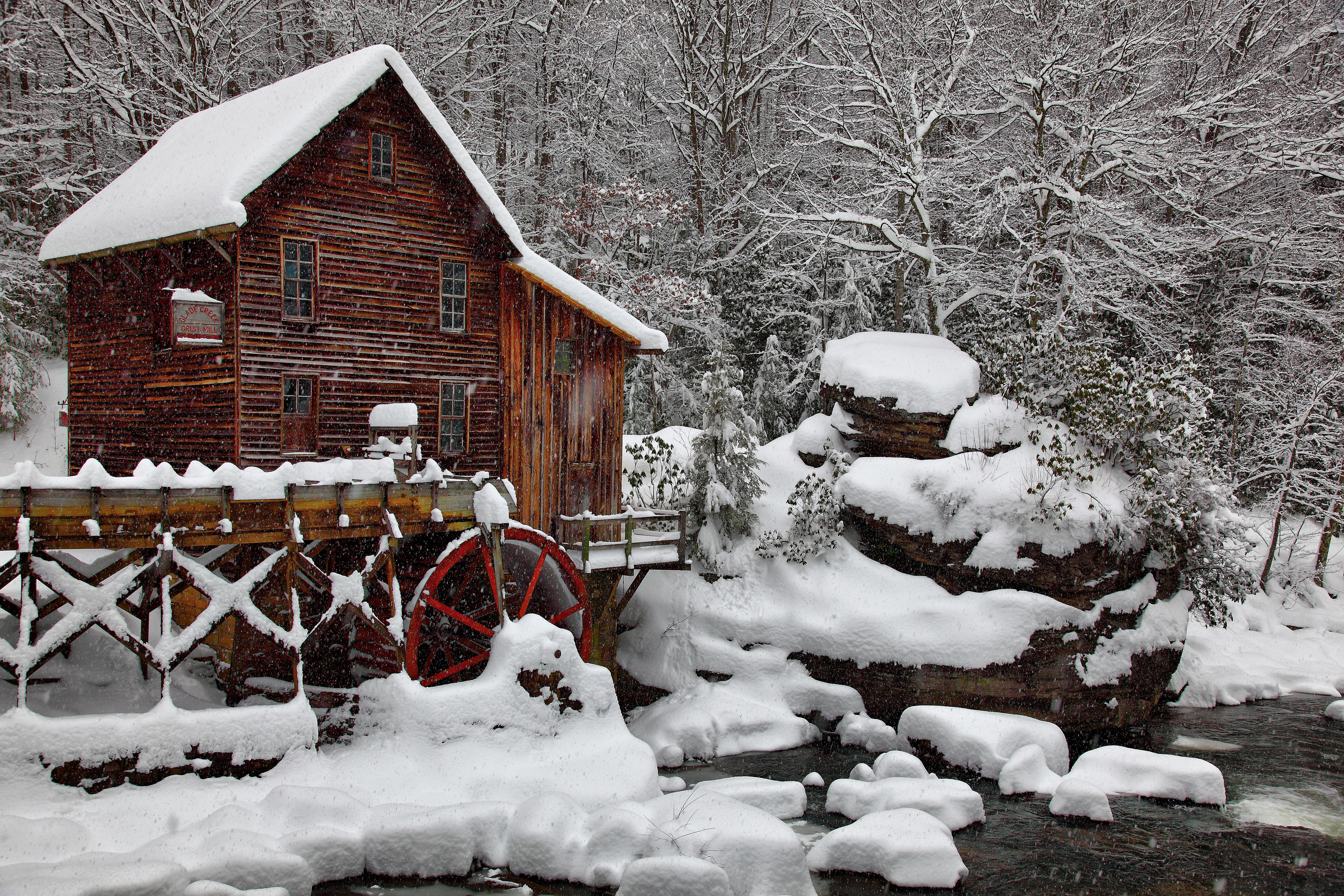 Winter Snow Falling Scenes
