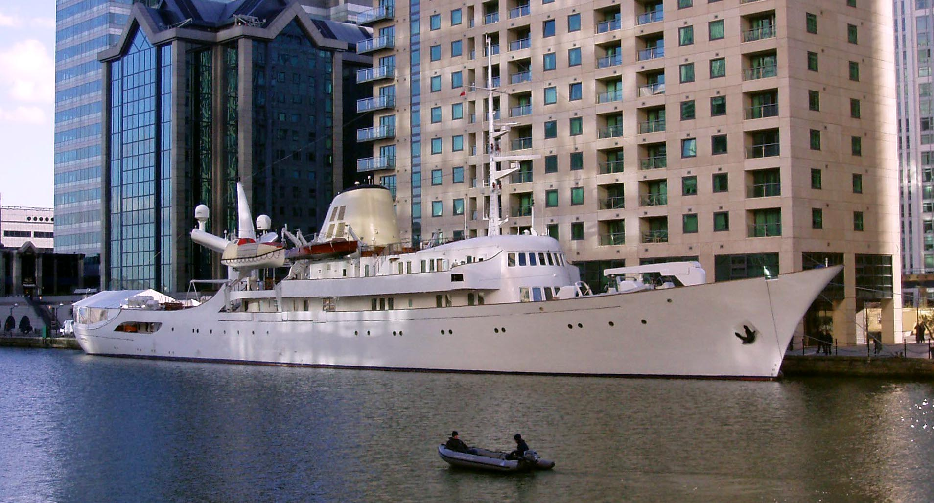 Yacht Christina O At Canary Wharf C London Cropped