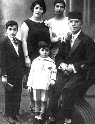 Young Hoveyda (left) with his family in Beirut, 1929 Young Hoveyda family.jpg