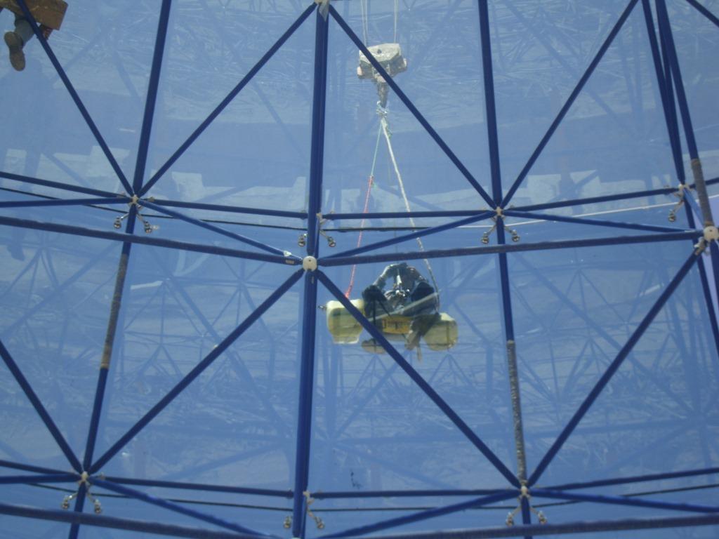 اسپایدر با سازه فضایی