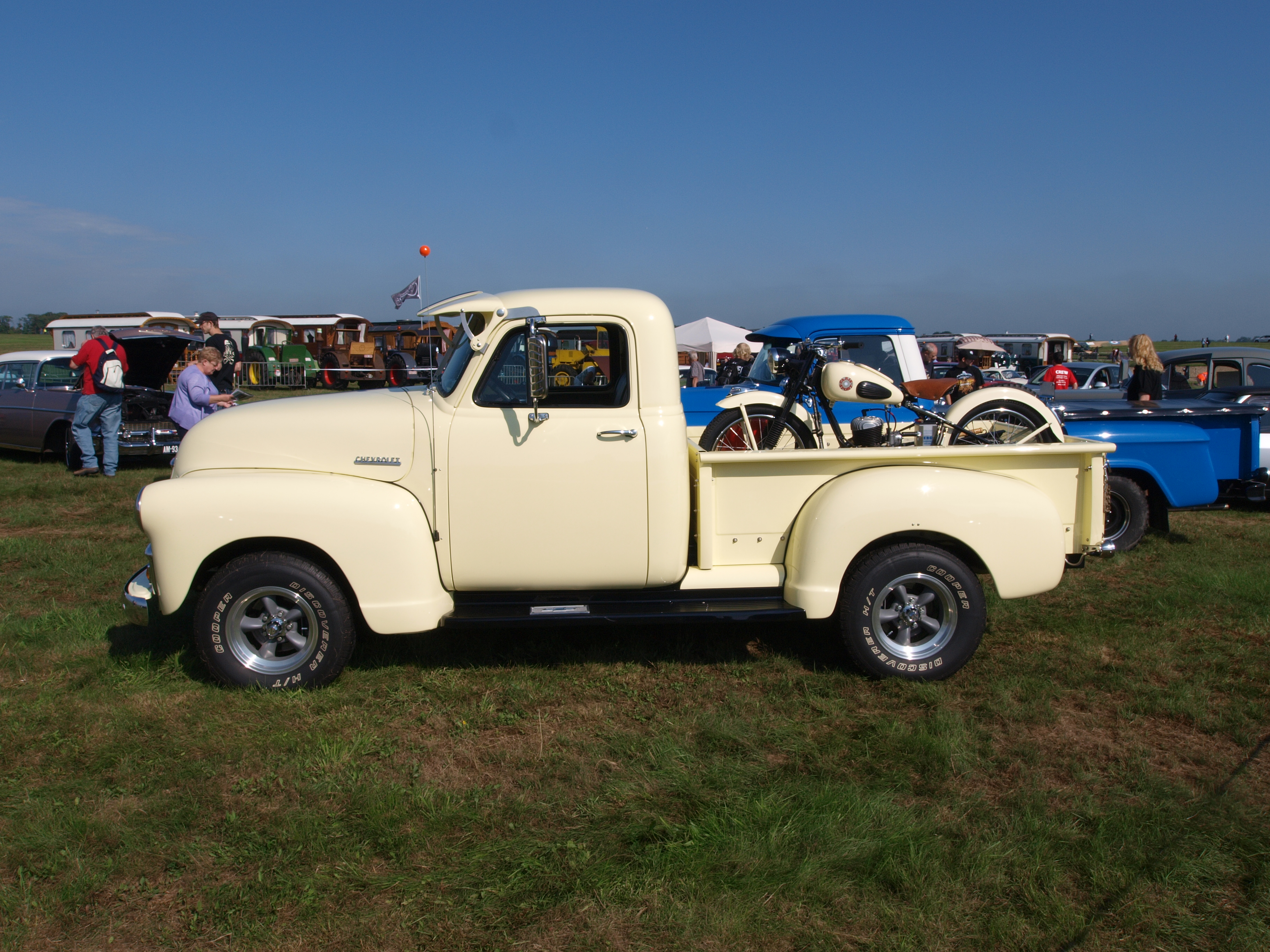 Description 1954 Chevrolet Pick-up.JPG