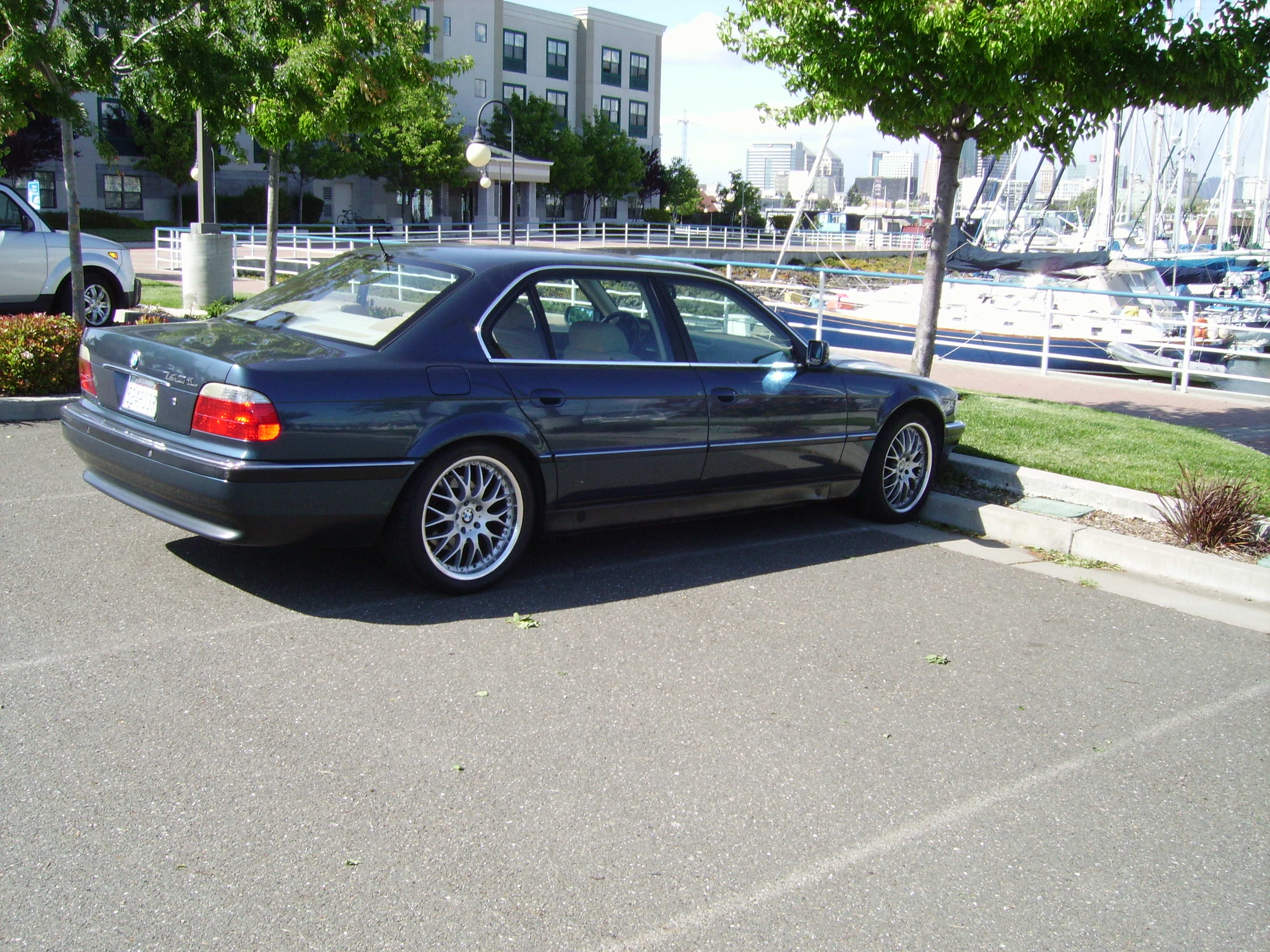 File1996 BMW 740iL E38