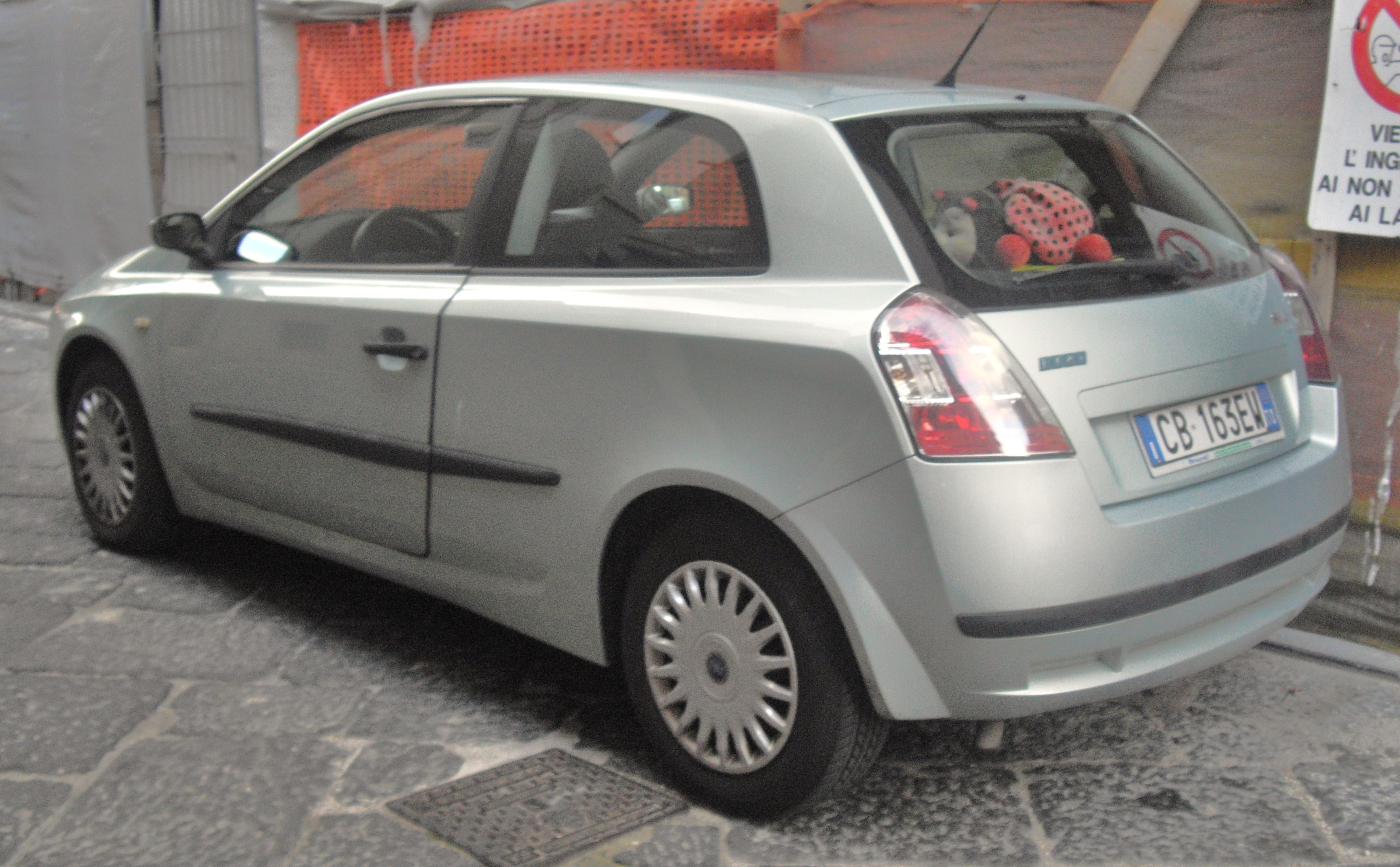 file 2004 fiat stilo hatchback rear jpg. Black Bedroom Furniture Sets. Home Design Ideas