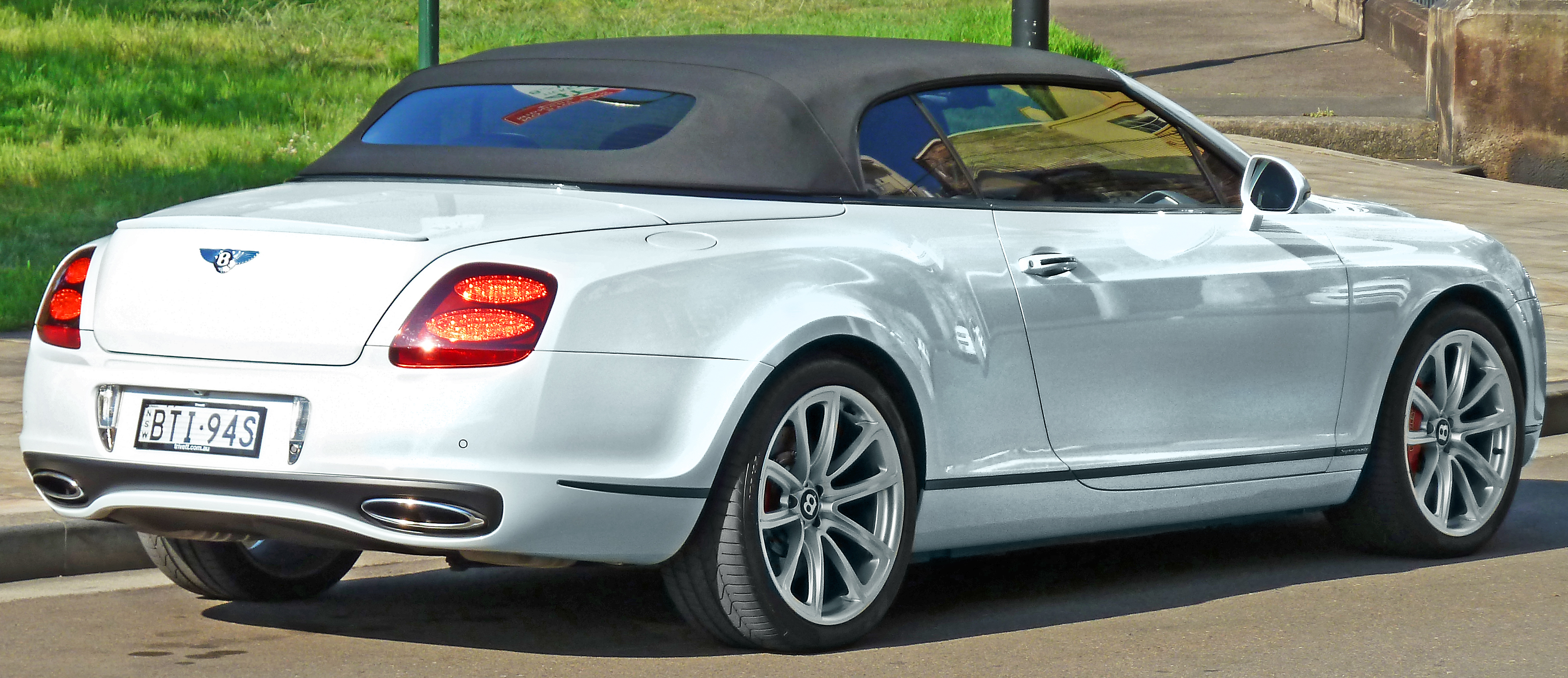 hd photos supersports bentley continental convertible wallpaper