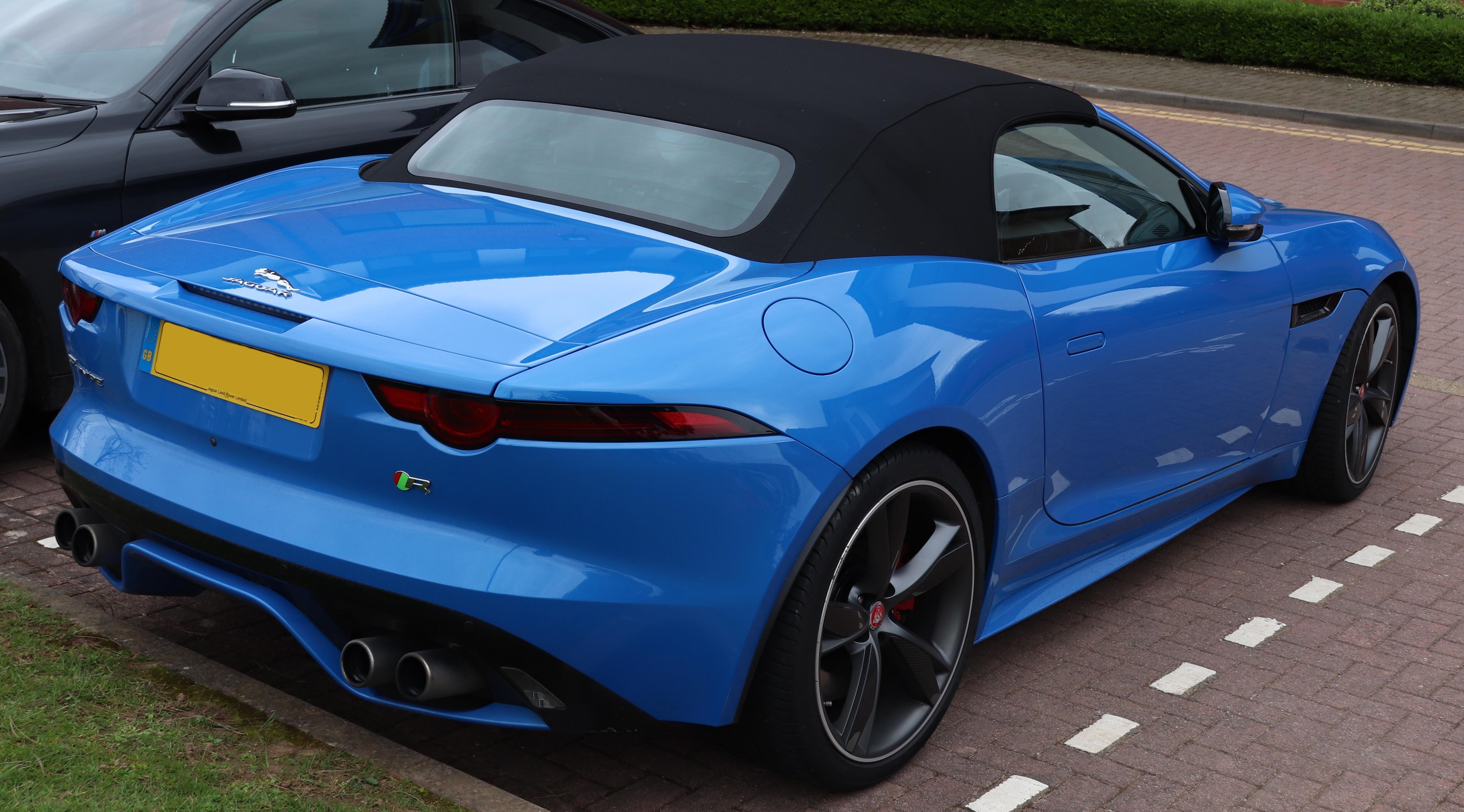 File:2017 Jaguar F-Type Convertible V8 R AWD Automatic 5.0 ...