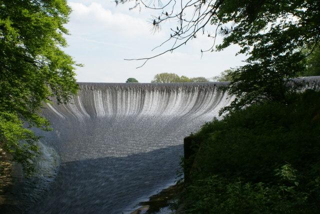 Abbeystead reservoir weir - geograph.org.uk - 1637929