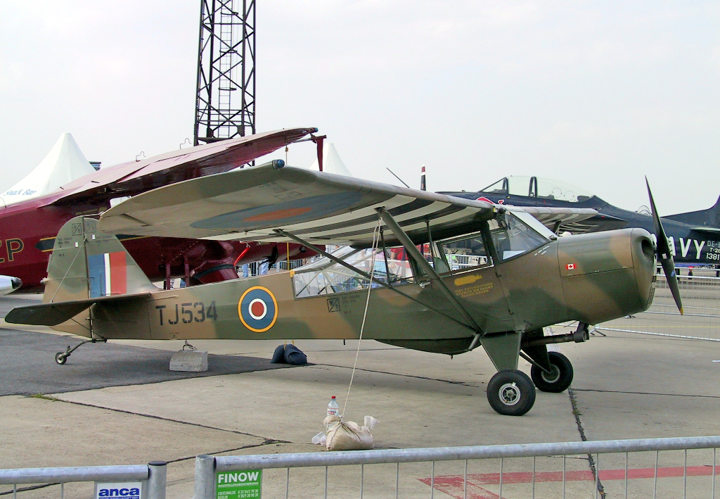 File:Auster Mk V -ILA2002.jpg - Wikimedia Commons
