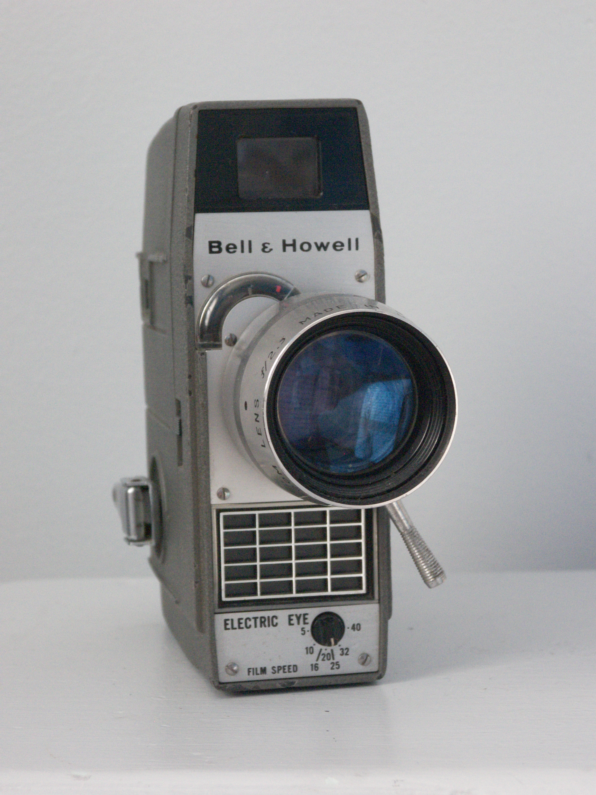 File:Bell and Howell Electric Eye Movie Camera jpg