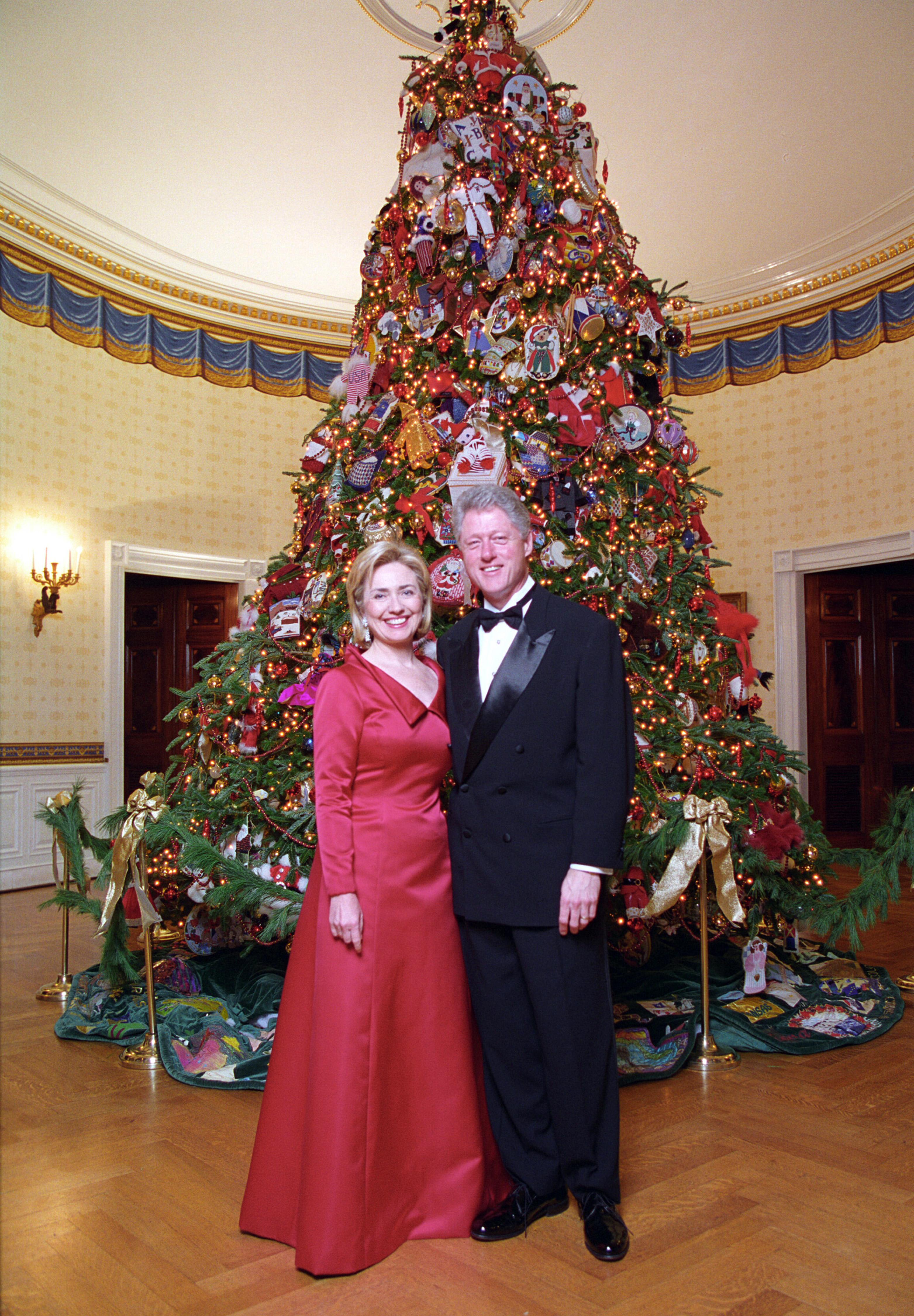 Hillary Clinton Christmas.File Bill And Hillary Clinton Christmas Portrait 1997 Jpg
