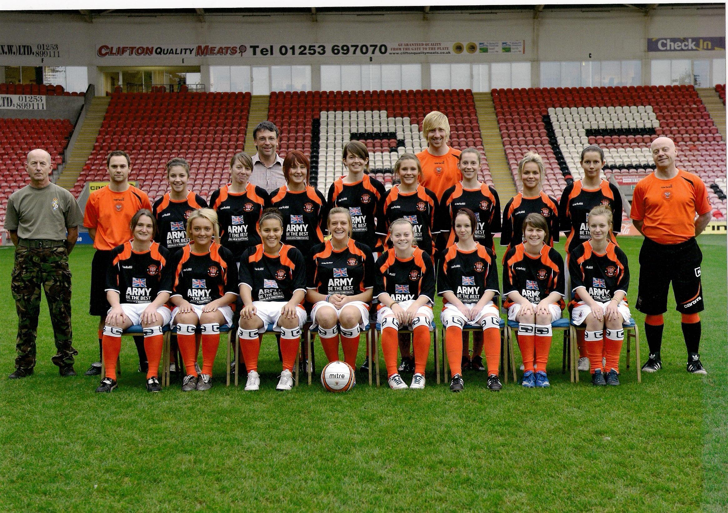 File:Blackpool FC Ladies 2009.2010.jpg