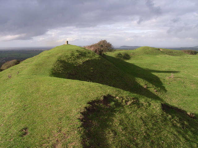 Brent Knoll hill fort - geograph.org.uk - 286891