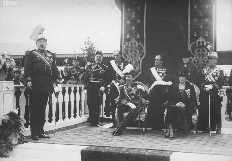 Bundesarchiv Bild 102-11533, König und Königin von Spanien.jpg