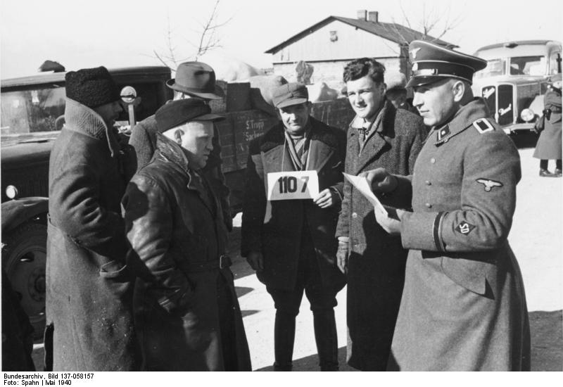 HISTORY IN IMAGES: Pictures Of War, History , WW2: EINSATZGRUPPEN ...