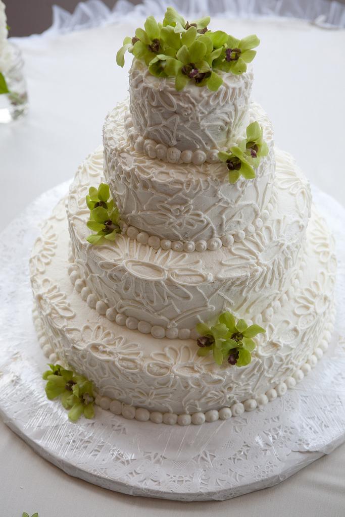 Wedding Cake Piping Fresh Berries