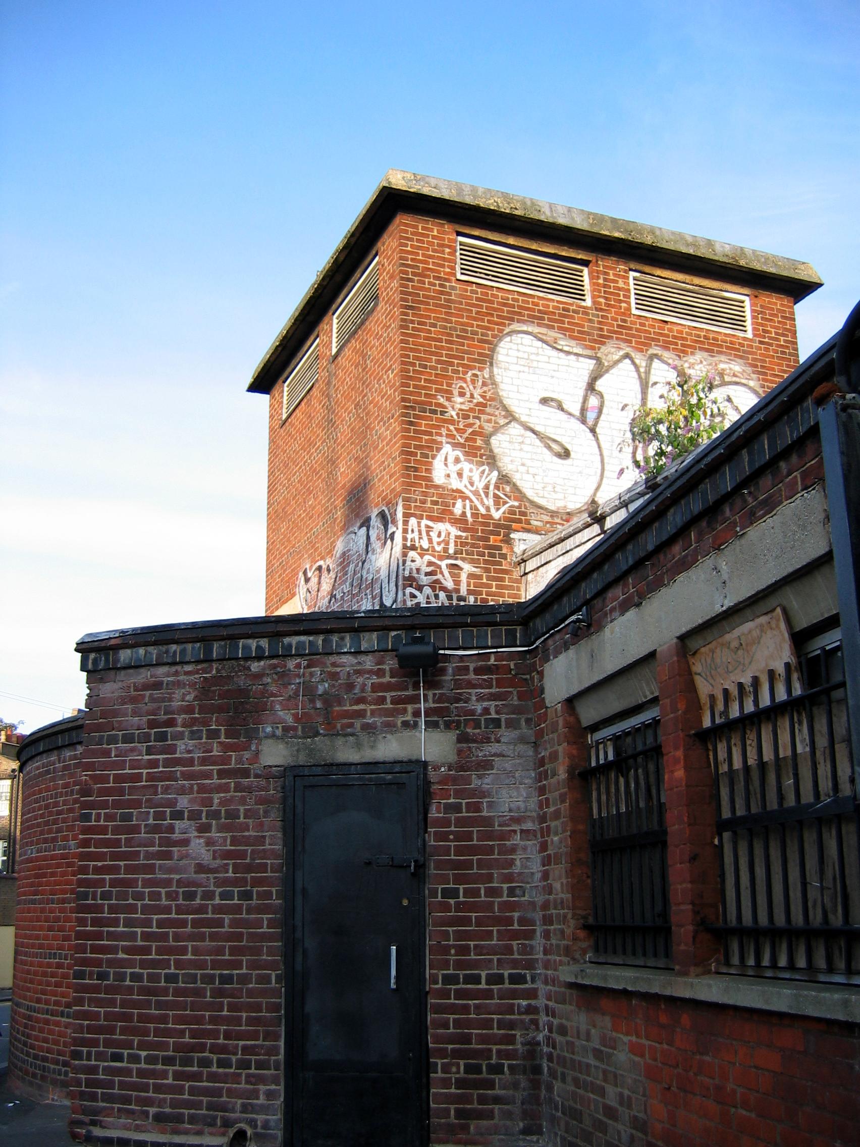 Camden Town: File:Camden Town Shelter 2.jpg