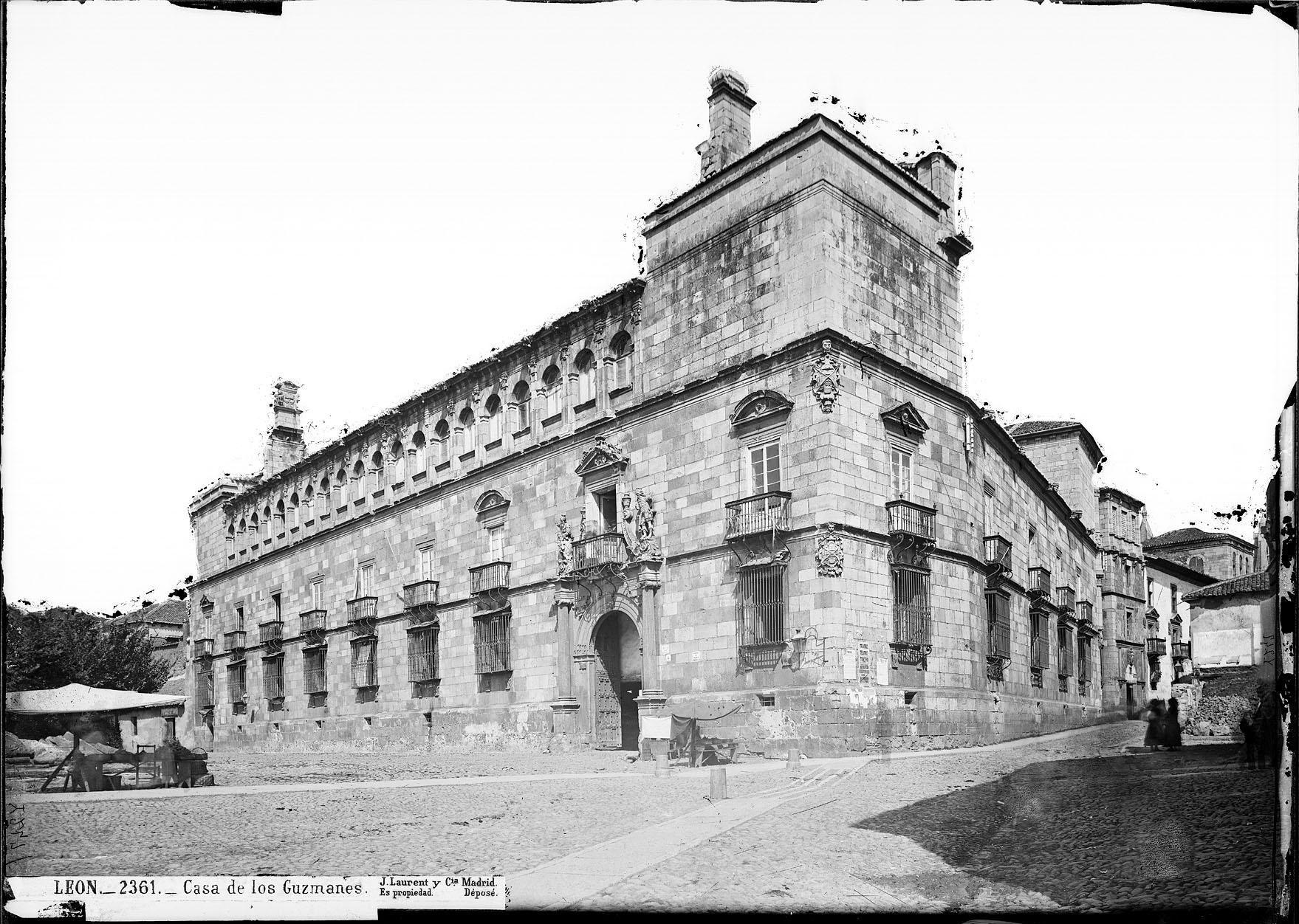 File:Casa de los Guzmanes - Laurent 1816-1886.jpg