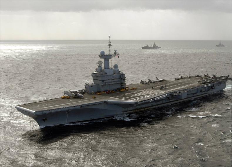 File:Charles De Gaulle (R91) underway 2009.jpg