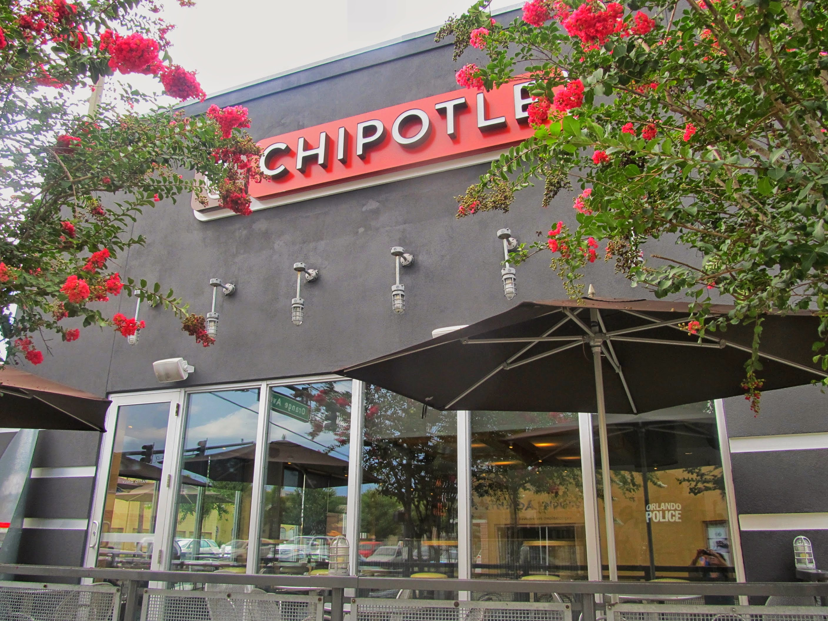 File:Chipotle.jpg - Wikimedia Commons
