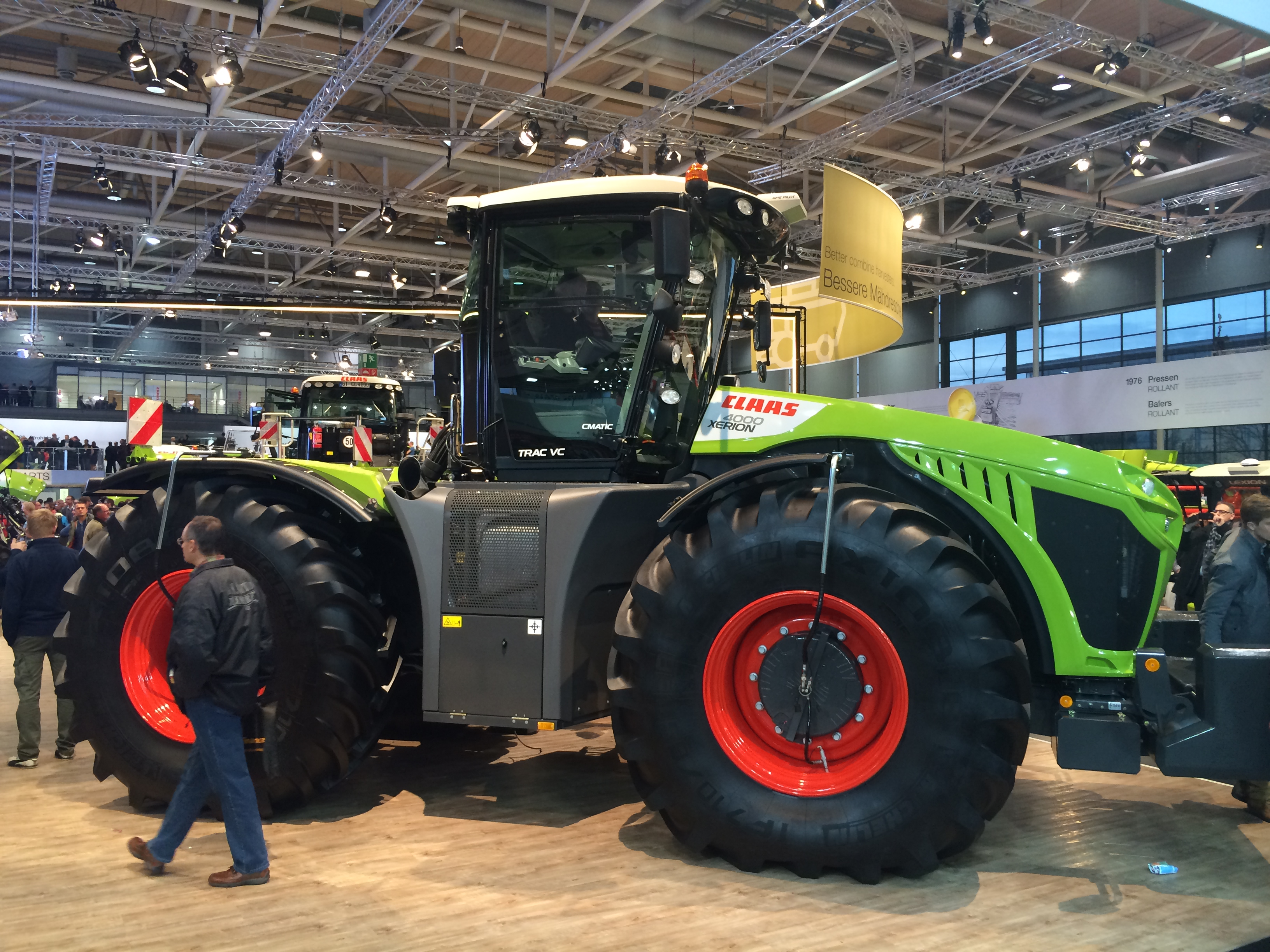 File:Claas Xerion 4000.jpg - Wikimedia Commons