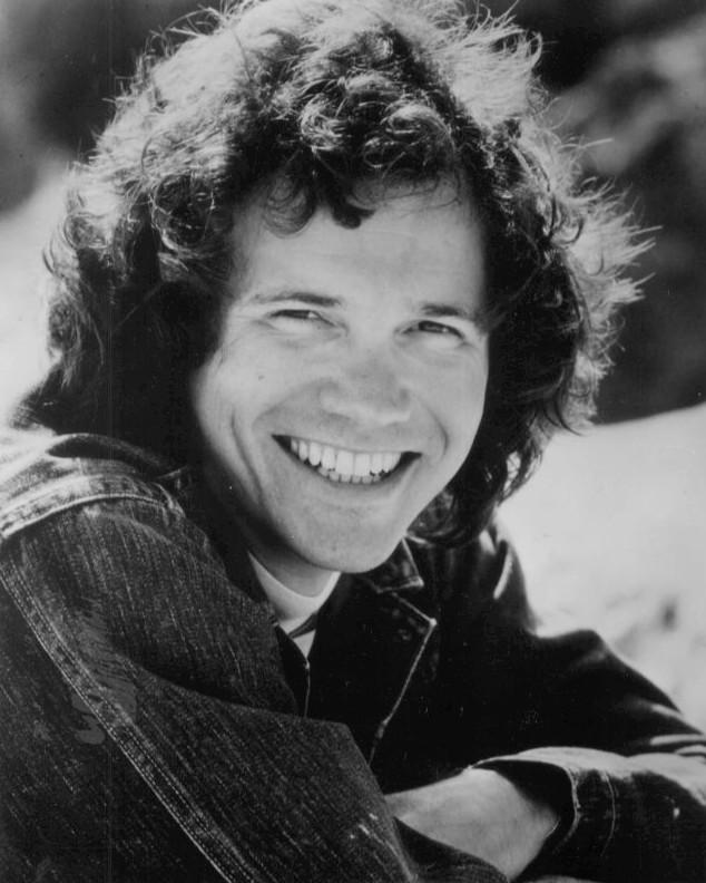 Fotografía de David Gates en 1975.