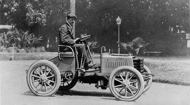 File:Ettore Bugatti & Type 2.jpg