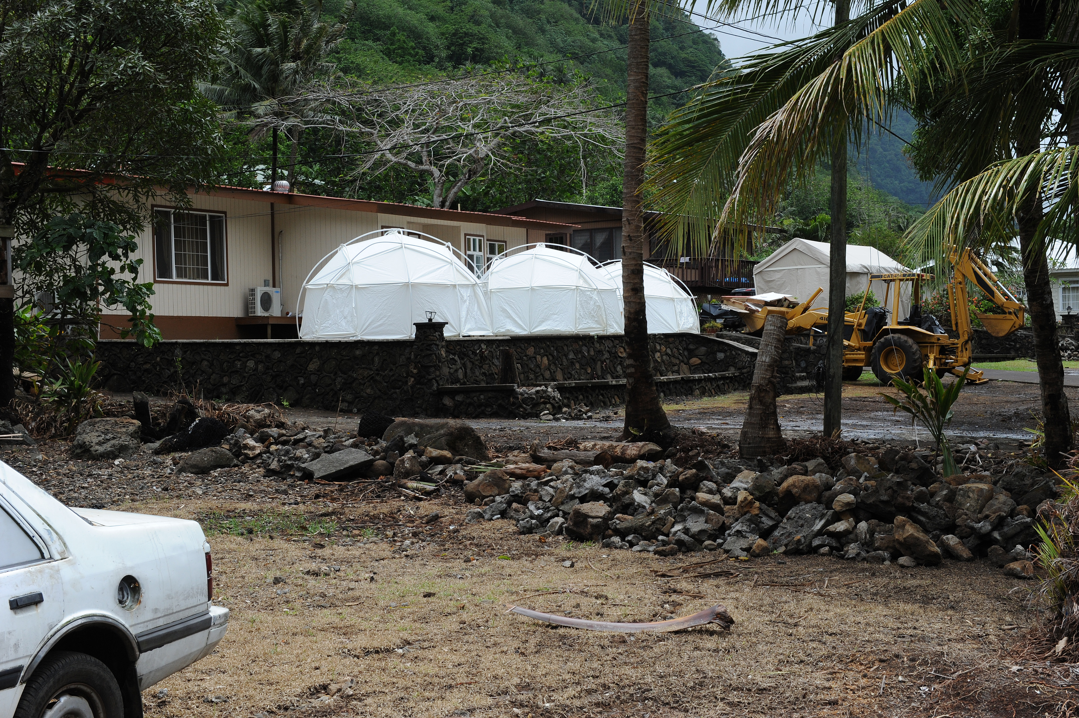 FileFEMA - 42244 - Three Federal Emergency Management Agency Tents in American Samoa. & File:FEMA - 42244 - Three Federal Emergency Management Agency ...