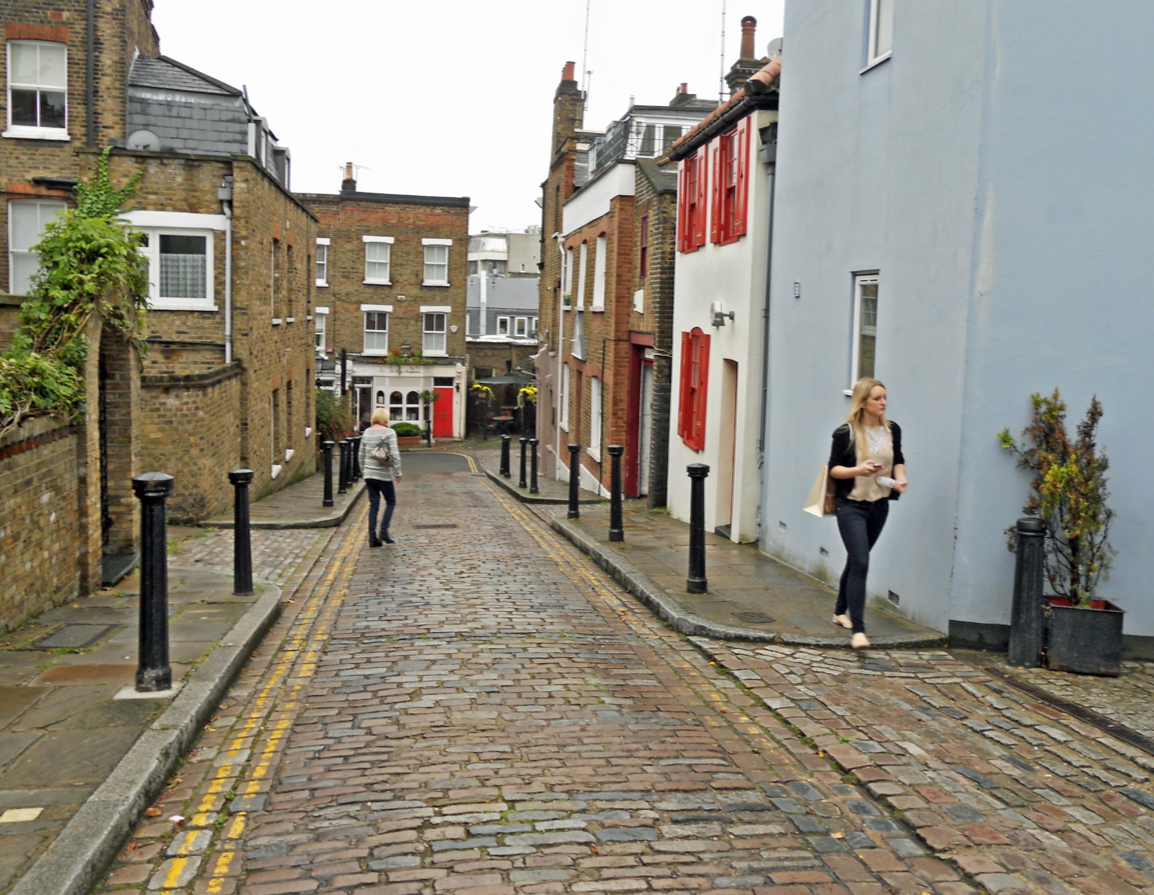 File:Flickr - Duncan~ - Back Lane, Hampstead.jpg ...