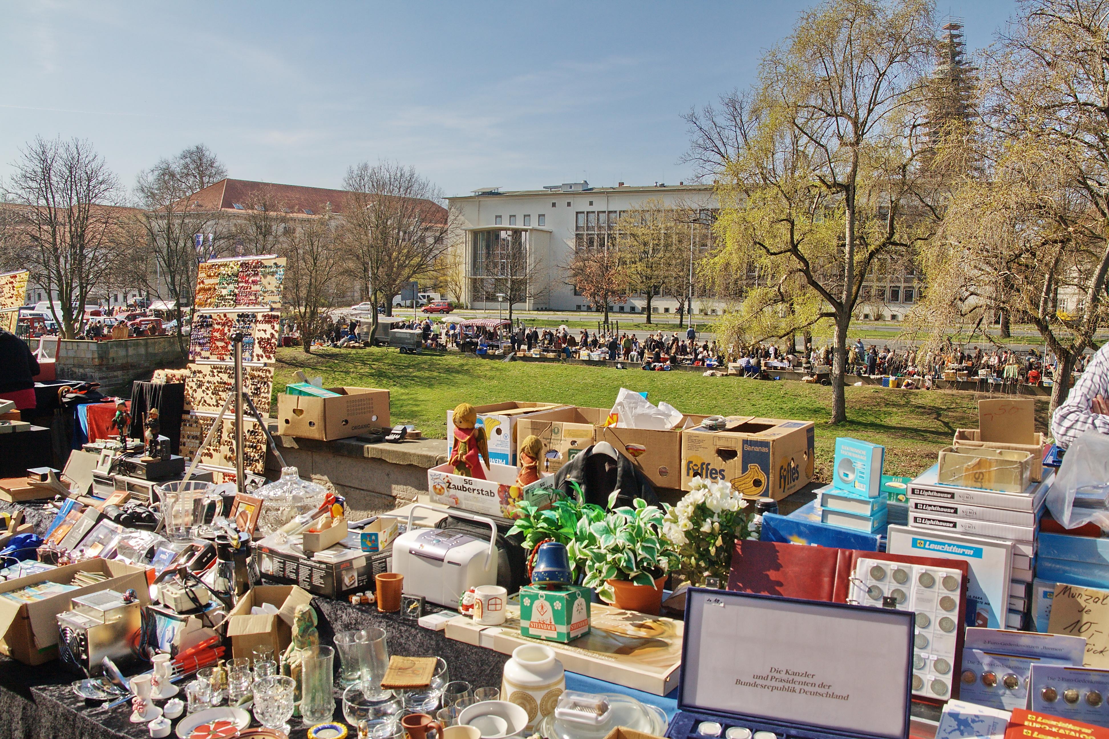 Hannover Messe Flohmarkt : file flohmarkt hannover img ~ Markanthonyermac.com Haus und Dekorationen