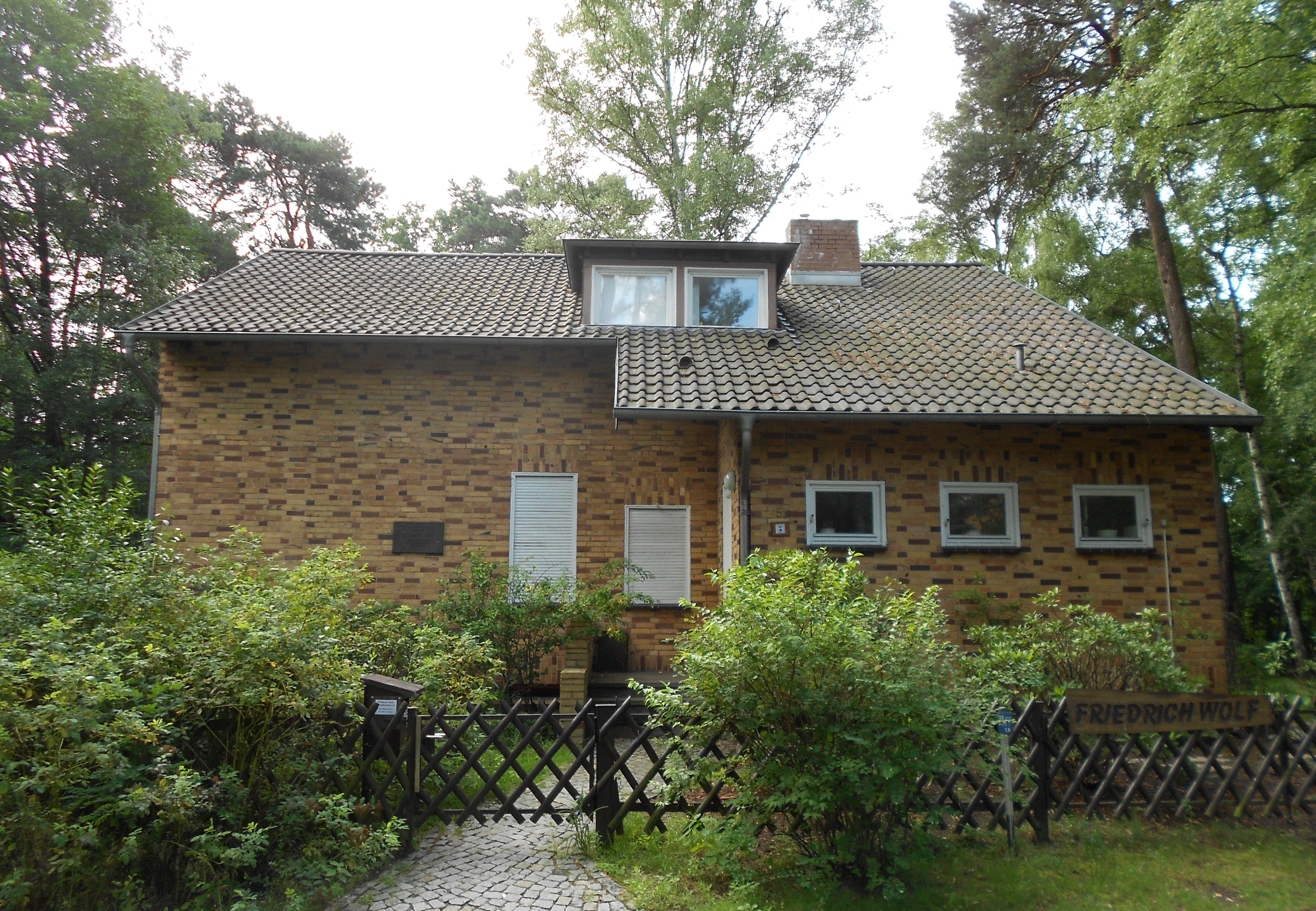 File Friedrich Wolf Haus Wikimedia mons