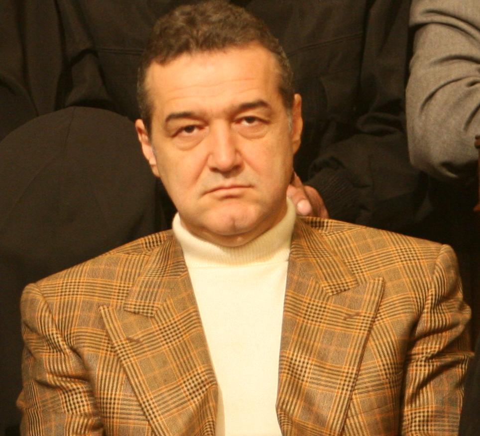 Il 60-anni, 176 cm alto Gigi Becali in 2018 photo