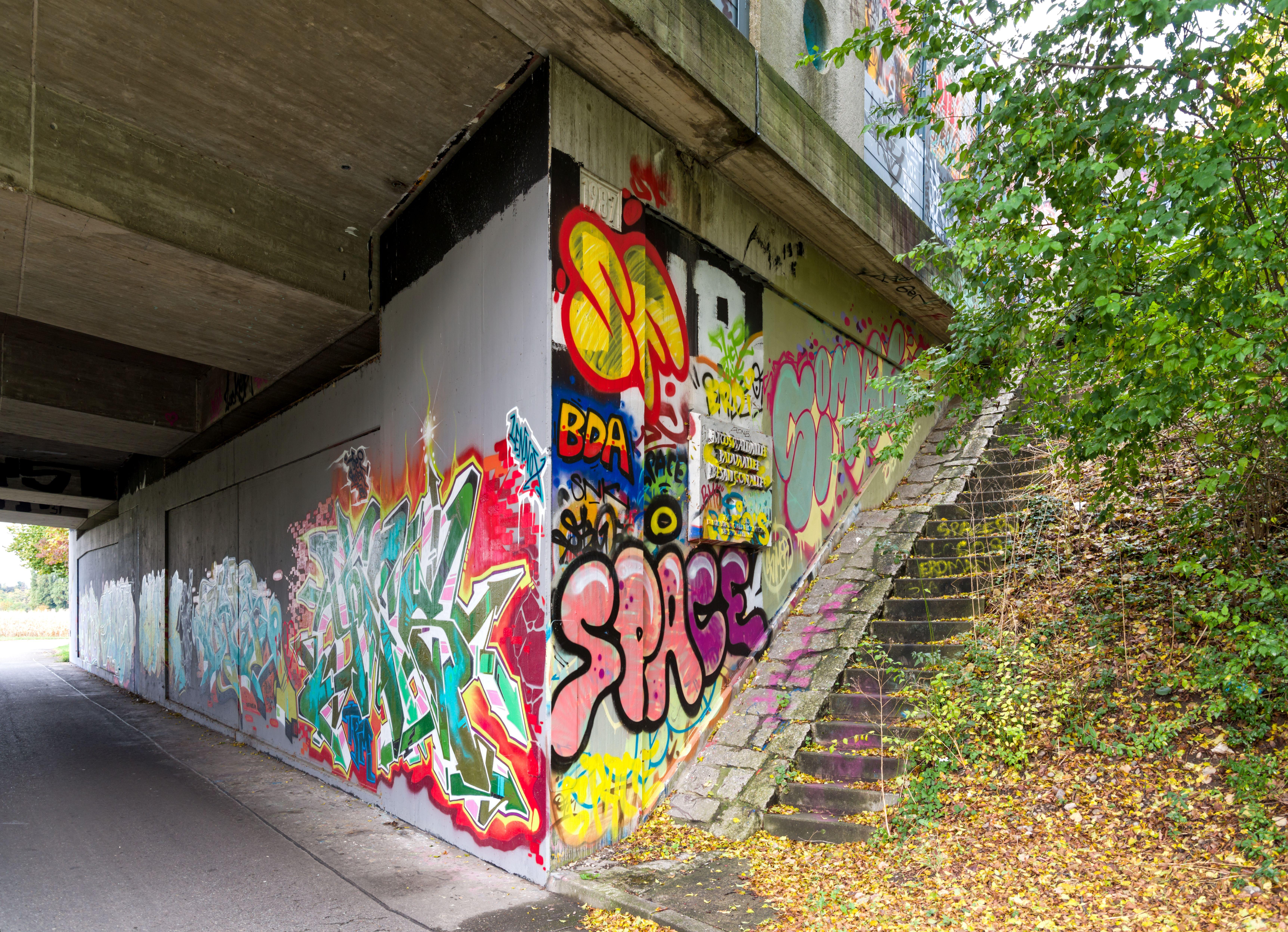 Filegraffiti Hermann Zens Brücke Freiburg Im Breisgau Jm22945jpg