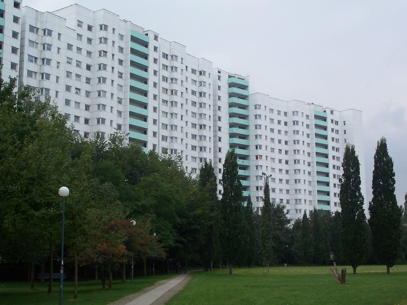 File Gropiusstadt Apartment Houses Jpg Wikimedia Commons