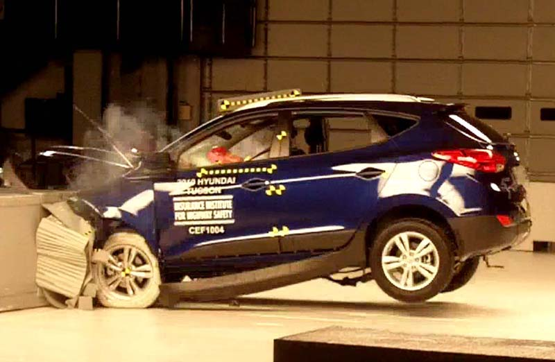 an image of auto%20insurance Frontal crash tests[edit]