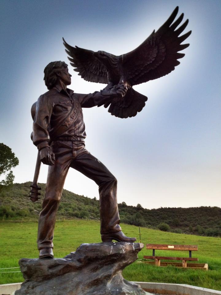 Estatua de John Denver, en Morrison, Colorado