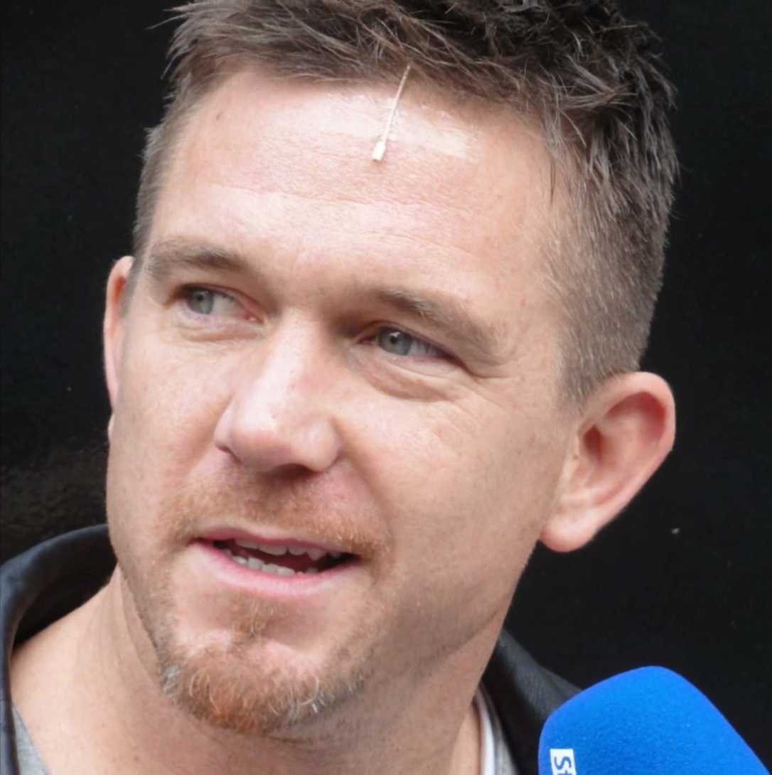 The 39-year old son of father John de Mol and mother Willeke Alberti Johnny de Mol in 2018 photo. Johnny de Mol earned a  million dollar salary - leaving the net worth at 6 million in 2018