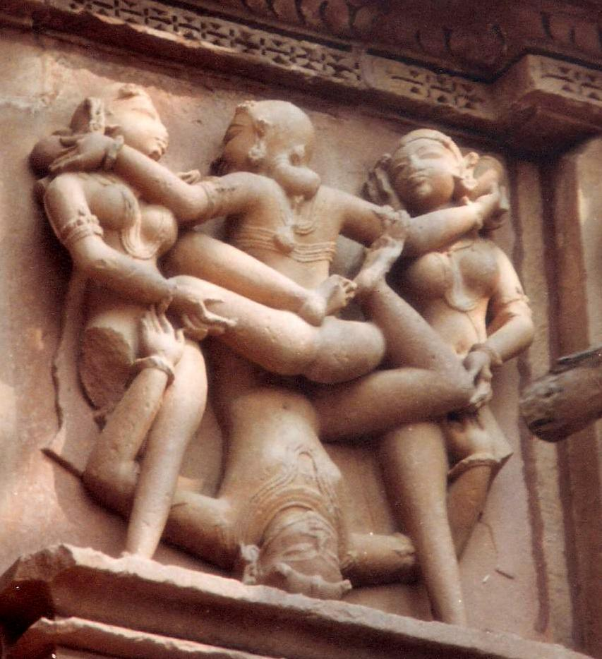 http://upload.wikimedia.org/wikipedia/commons/9/99/Kandariya_Mahadev_Temple,_Khajuraho,_picture_20.JPG