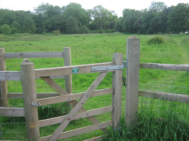 Kissing Gate to Charing Alderbed Meadow - geograph.org.uk - 1326057