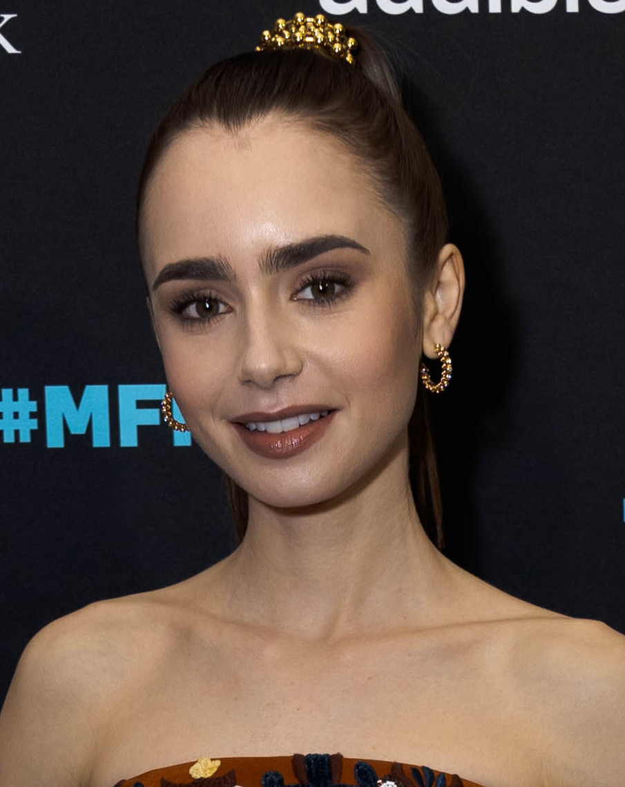 Lily Collins - Wikipedia