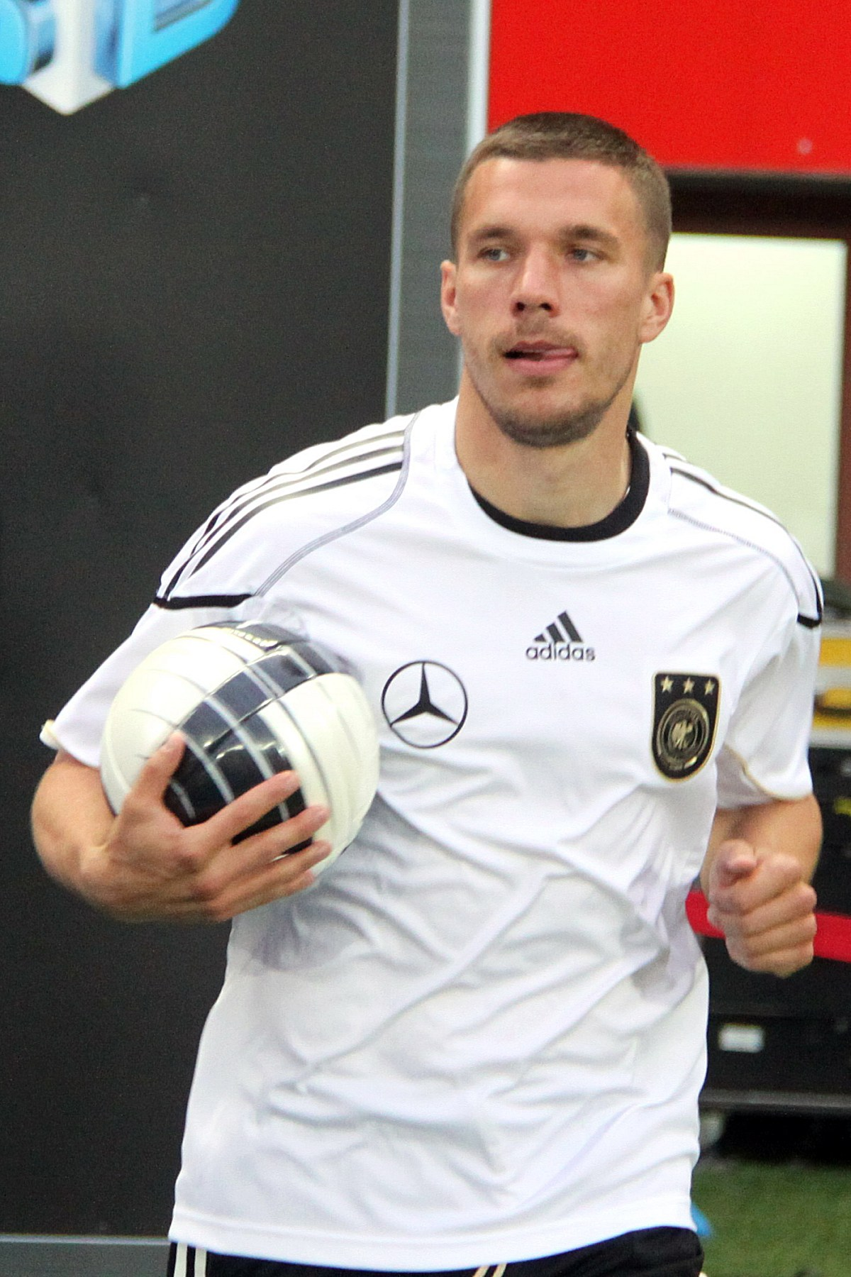 File:Lukas Podolski, Germany national football team (01